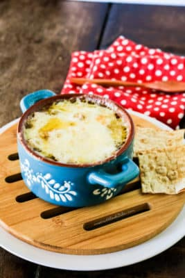 Low-carb French Onion Soup next to low-carb bread