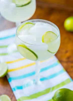 Low-Carb and Alcohol-Free Margarita Fizz in a tall glass with lime.