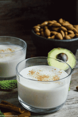 VEGAN KETO EGGNOG in a glass