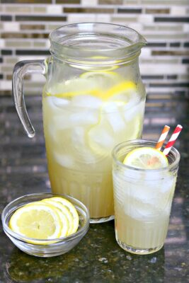 sugar-free lemonade in a pitcher and a glass
