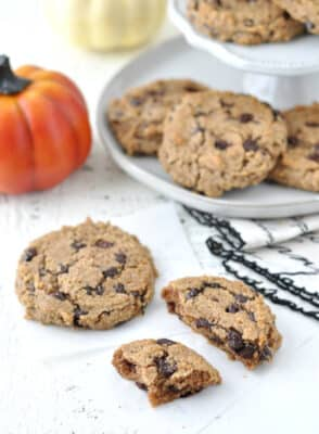 Keto Pumpkin Spice Chocolate Chip Cookies